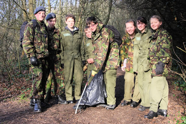 992's cadets litter picking