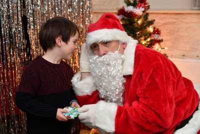 Townsfolk enjoy Christmas late night shopping event